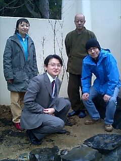 高野山上池院で植樹 Tree planting at Jyochi-in Koya mountain