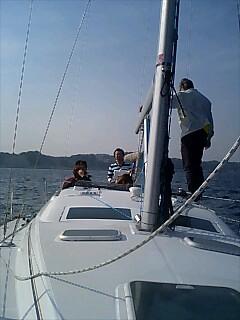 ヨットに乗る Riding on yacht