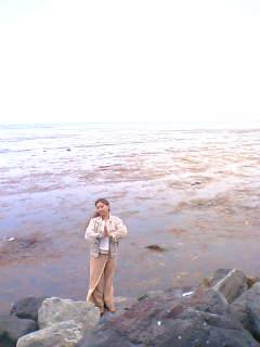 宗谷岬に立つ桑名晴子さん Halko standing at Souya cape