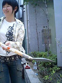 大阪ECC語学学校で講演と植樹 Tree planting and speaking at Yamaguchi gakuen school