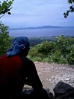 礼文島を眺める Looking Lebun island