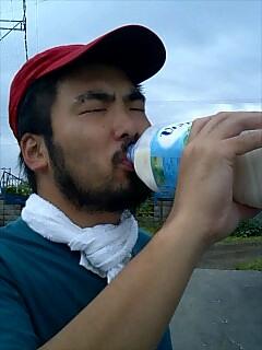 飲む Drink
