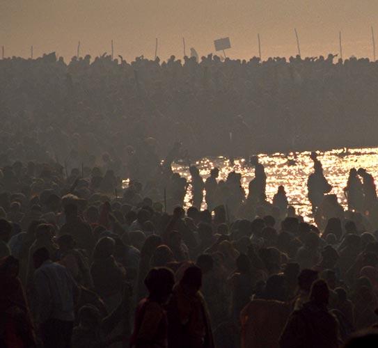 2001年インド・いざ沐浴 (本出版に向けて・その9)